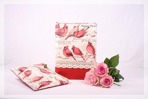 Obal na knihu s ptáčky Kardinály