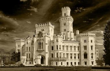 castle-852714_1920.jpg